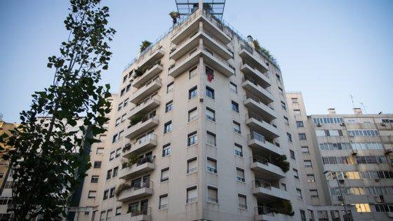 A iniciativa pretende resolver o problema de falta de habitação com renda acessível e injectar vitalidade no setor da construção
