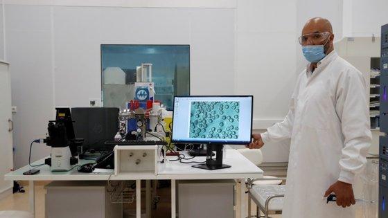 Os laboratório francês Sanofi e o britânico GSK afirmam que a vacina que estão a desenvolver poderia ser autorizada já na primeira metade de 2021