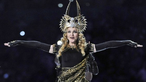 """Depois de Donald Trump e do seu filo terem sido censurados no Twitter por divulgação de """"fake news"""", agora foi Madonna - só que no Instagram"""