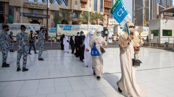 As detenções ocorreram no primeiro dia da grande peregrinação anual da Meca, que todos os muçulmanos devem realizar uma vez na vida se as condições físicas e económicas o permitirem