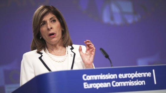 A comissária Stella Kyriakides deu o exemplo do seu país de origem, o Chipre, onde um aumento de novos contágios pelo novo coronavírus está a suscitar grande preocupação
