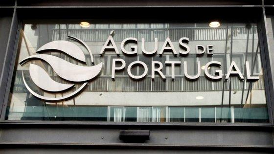 """João Pedro Matos Fernandes, afirmou aos jornalistas à margem da apresentação que """"é o primeiro [grupo] no mundo no ciclo urbano da água"""" a apontar para a neutralidade energética"""