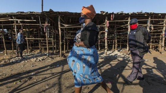 Moçambique, que vive em estado de emergência desde 1 de abril, registou um total de 1.748 casos de Covid-19, 11 mortos e 616 recuperados
