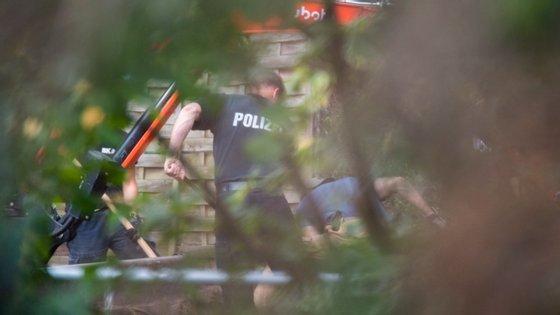 Para a polícia alemã, Christian B é suspeito do homicídio da criança inglesa que estava de férias com os pais e os outros dois irmãos gémeos em Portugal no momento de seu desaparecimento