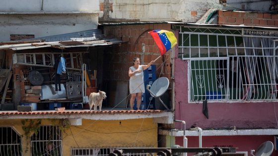 Segundo Rainer de Sousa, há quase 4.500 alunos, das escolas do ensino básico e secundário da Venezuela, a frequentar aulas de português em Caracas (capital), Maracay, Cágua, Clarines e Valência