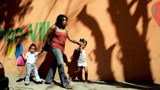 Quase metade das 800 milhões de crianças intoxicadas vive na região do sul da Ásia