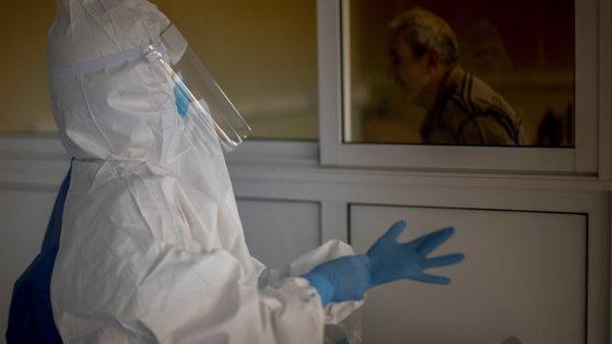 Oficialmente, o Reino Unido registou até quarta-feira45.961 mortes durante a pandemia Covid-19