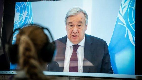 António Guterres foi esta quinta-feira homenageado por há 25 anos ter decidido parar a construção da barragem do Côa e preservado as gravuras património da Humanidade