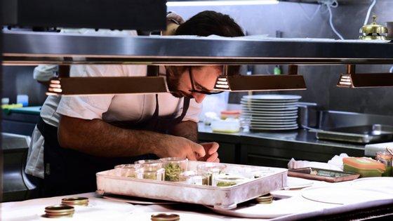 No total, Portugal detém atualmente sete restaurantes com duas estrelas e 20 estabelecimentos com uma estrela, não tendo ainda nenhum com a classificação máxima (três estrelas)