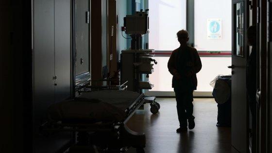 Durante o Estado de Emergência, declarado pelo Governo, pela primeira vez, a 18 de março, várias extensões de saúde de freguesias rurais do concelho de Évora foram encerradas e não voltaram a reabrir