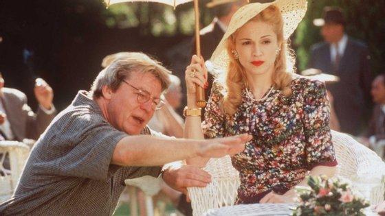 """A filmografia de Parker inclui ainda """"Angel Heart"""", com Mickey Rourke e Robert De Niro, """"Sexo e Corn Flakes"""", com Anthony Hopkins e Bridget Fonda, e """"Evita"""", com Madonna"""
