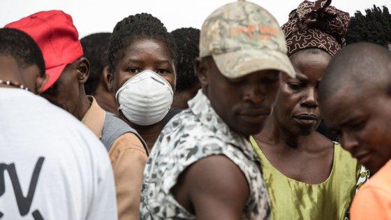 Em conclusão, o chefe de Estado moçambicano faz um balanço positivo das medidas adotadas face à Covid-19, reiterando que o mais importante para Moçambique era garantir o adiamento do pico da pandemia para evitar uma eventual pressão sobre o sistema de saúde