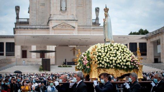 É o regresso às grandes celebrações religiosas em Fátima