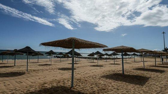 O Algarve antecipa quebras acima dos 50% nas dormidas em hotéis durante o mês de agosto