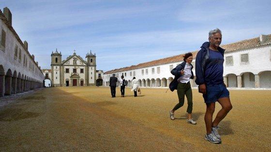 Santuário do Cabo Espichel remonta a culto religioso de inícios do século XV e é hoje um dos pontos turísticos mais visitados na região de Setúbal