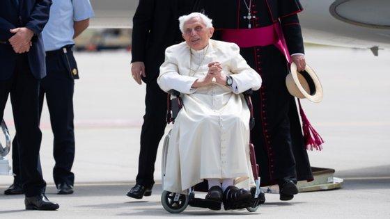 O Papa emérito Bento XVI foi recentemente à Alemanha visitar o irmão, que morreu no início de julho