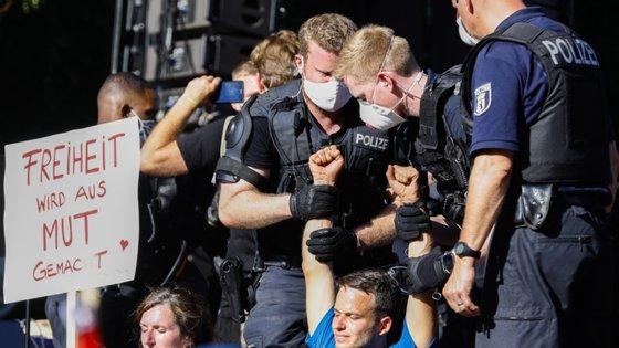 """A polícia apresentou uma queixa contra o organizador do evento por """"não ter respeitado as regras de higiene"""""""