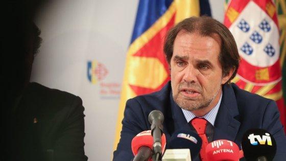 Miguel Albuquerque admitiu ainda a possibilidade de aparecerem novos casos positivos na região devido ao incremento do turismo para a Madeira, atividade que entre março e julho esteve praticamente suspensa