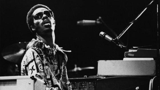 Segundo informação recolhida pela agência Lusa, os elementos da banda tributo - que para além de Stevie Wonder, vai homenagear nomes do soul e jazz como Al Jarreau (já falecido) ou o guitarrista George Benson - têm entre 45 e 72 anos