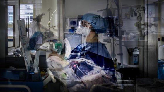 O estudo foi realizado num hospital de Milão e contou com 402 pessoas