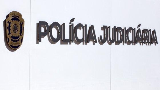A detida foi presente às autoridades judiciárias competentes, para interrogatório, tendo-lhe sido aplicada a medida de coação de prisão preventiva, a mais gravosa