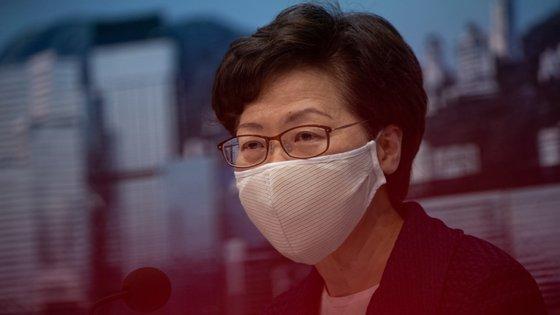 Os autores do relatório disseram que tiraram as conclusões depois de receberem mais de 1.000 testemunhos escritos e ouvirem muitos relatos de testemunhas em primeira mão, tendo pedido ao Reino Unido para impor urgentemente sanções à líder de Hong Kong, Carrie Lam, e ao comissário da polícia da cidade