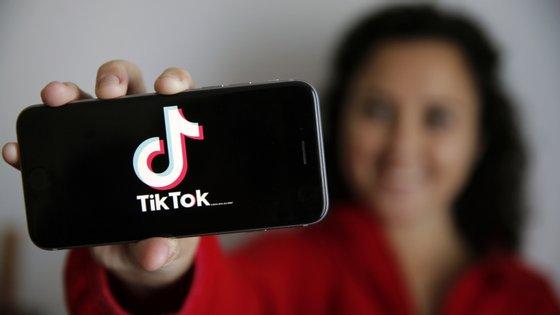 O TikTok é uma rede social de partilha de vídeos que duram 15 segundos