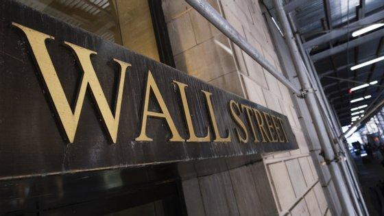 """Segundo Peter Cardillo, da Spartan Capital Securities, os investidores """"estão à espera que a recuperação económica se acelere"""", graças às ajudas da Reserva Federal e do Governo federal"""
