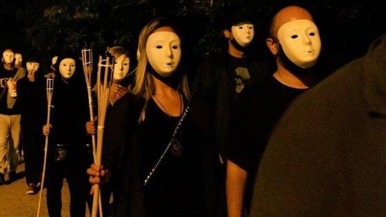 """No último fim de semana um grupo de extrema direita esteve em frente à sede do SOS-Racismo numa ação que prentendia ser contra o """"racismo anti-nacional""""."""