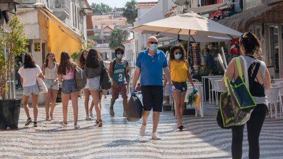 Mais três mortos e 121 novos casos nas últimas 24h em Portugal.