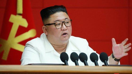 As relações entre Washington e Pyongyang estagnaram desde o fracasso, em fevereiro de 2019, da segunda cimeira entre Kim e o Presidente dos Estados Unidos, Donald Trump.
