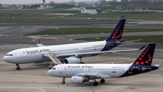 A medida hoje aprovada faz parte de um pacote de apoio mais vasto concedido pela Alemanha a todo o Grupo Lufthansa, ao qual o Grupo SN pertence, pelo que, com esta ajuda estatal belga, o auxílio global anteriormente concedido ao grupo de aviação será reduzido proporcionalmente.
