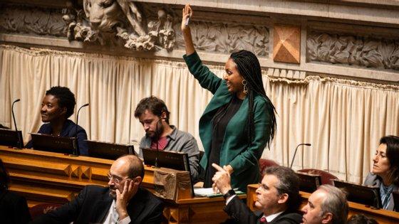 """Joacine Katar Moreira considerou que o veto presidencial """"não coloca em causa os principais avanços agora conseguidos"""""""