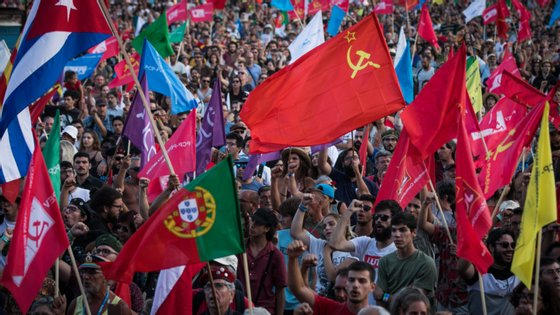 Festa do Avante realiza-se nos dias 4, 5 e 6 de setembro, no Seixal. Manteve-se em tempo de pandemia, com regras mais apertadas, mas entre muitas críticas.