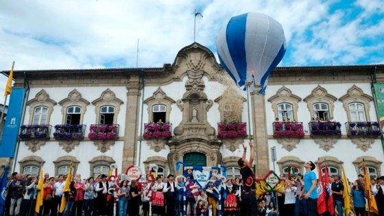 As festas de São João em Braga são um dos 14 finalistas do concurso Sete Maravilhas da Cultura Popular