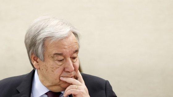 """""""Para os próximos cinco anos, esperamos coisas absolutamente terríveis em matéria de tempestades, secas e outros impactos dramáticos nas condições de vida de muitas pessoas em todo o mundo"""", alertou António Guterres"""