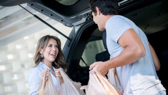 """Os testes pilotos vão começar """"durante o mês de outubro em Lisboa e no Porto, com as principais marcas de supermercado nacionais"""""""