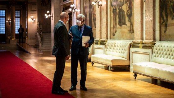 O ministro das Finanças João Leão e o primeiro-ministro António Costa tiveram de se concertar para elaborar a estratégia do Governo para 2021