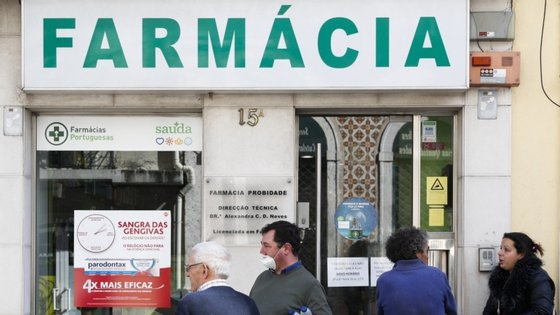 """Segundo o presidente da Associação de Distribuidores Farmacêuticos, as farmácias vão ter """"menos cerca de 100 mil vacinas"""" do que em 2019"""