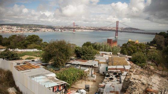 A invejada vista do Bairro Amarelo sobre a cidade de Lisboa