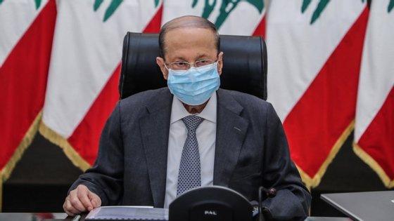 Michel Aoun disse que a necessidade mais urgente do país reside no apoio da comunidade internacional para a reconstrução da sua economia e do seu porto