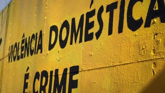 """A rede nacional de apoio à vítima doméstica """"neste momento ultrapassa as 230 estruturas"""""""