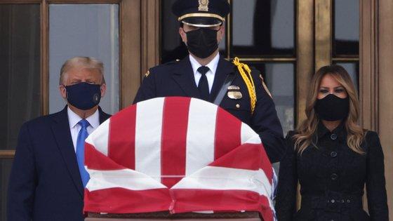 Donald Trump fez-se acompanhar de Melania Trump na homenagem