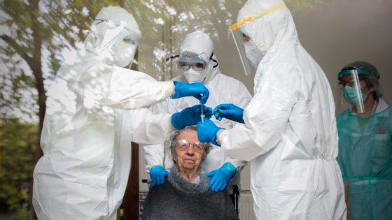 """De acordo com a responsável pelo Lar de Carção, """"há três utentes internados na unidade hospitalar de Bragança"""""""