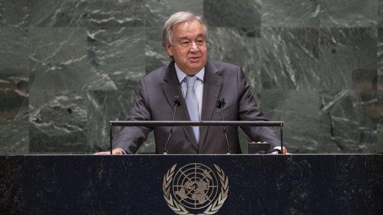 """Na resposta à pandemia de Covid-19, António Guterres considera que é preciso investir em """"empregos verdes e decentes"""""""