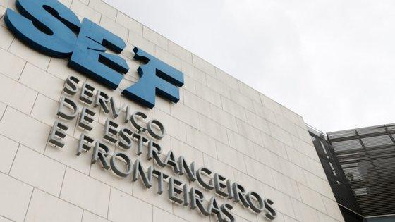 O Serviço de Estrangeiros e Fronteiras (SEF) tem quatro espaços para instalar migrantes
