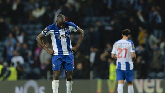 Os factos remontam a 16 de fevereiro último, no Estádio D. Afonso Henriques, em Guimarães, durante o jogo de futebol entre o Vitória de Guimarães e o FC do Porto