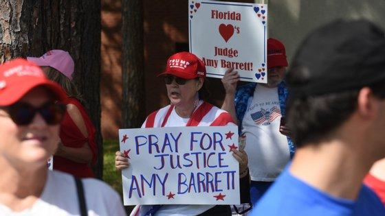 A juíza Amy Coney Barrett, que foi a única a ser entrevistada por Donald Trump para esta vaga, era uma favorita entre os setores mais conservadores