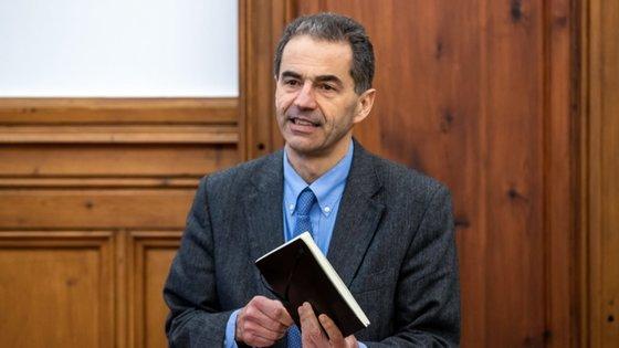O ministro da Ciência, Tecnologia e Ensino Superior, Manuel Heitor, esteve presente na sessão de apresentação da aeronave
