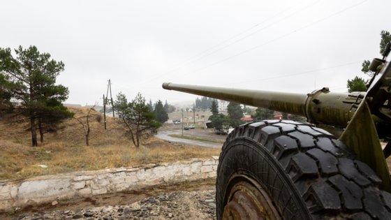 Na sequência dos ataques, o governo de Nagorno-Karabakh anunciou a introdução de lei marcial e a total mobilização da população masculina com mais de 18 anos